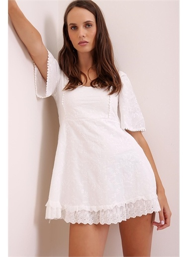 Pink Park V Yaka Fisto Mini Elbise MZ00005 Beyaz